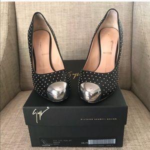 Giuseppe Zanotti Black Close Toe Heel Size 6.5